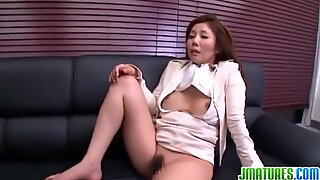 Rough fuck on the couch for sexy mature